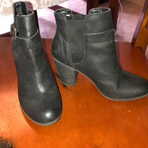 Abound black ankle booties. 6 1/2